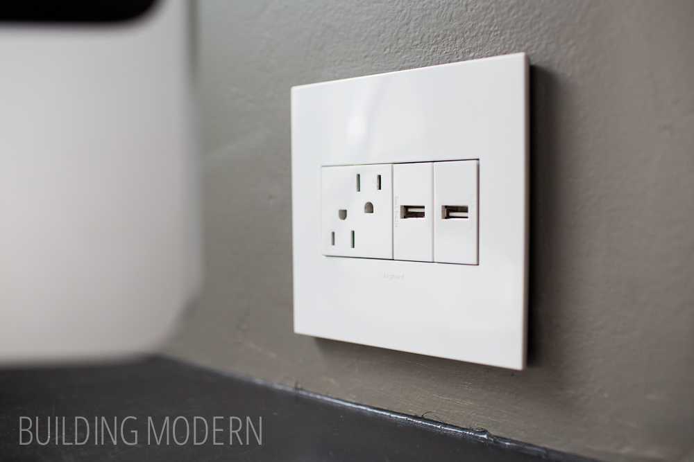wall outlet with usb charger